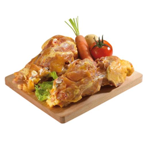 Carcasas de pollo amarillo bandeja (peso aprox. 750 gr )
